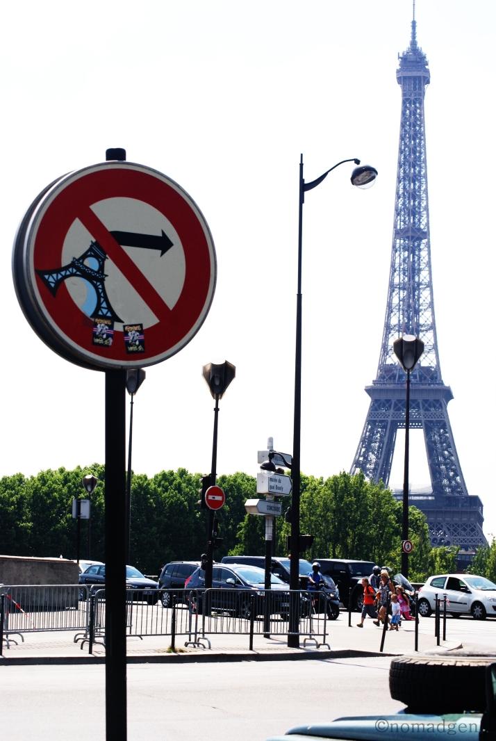 Eiffel No Right Turn